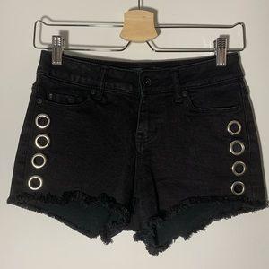 BLACKHEART Size0-2 Black Low Rise Shorts